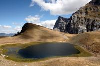 Τύμφη (2.497μ.), τρεις κορυφές. Διασχίσεις από το «Πέρασμα Καρτερού»  και από τη σκάλα του Βραδέτου. Δρακόλιμνη Τύμφης
